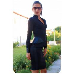 Елегантен дамски костюм в черен цвят