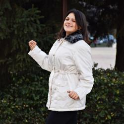 Олекотено дамско яке с подвижна яка от пух
