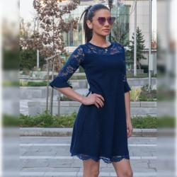 Официална дамска рокля с дантела в тъмно синьо