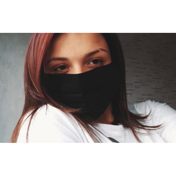 Черна трипластова  маска за лице с моден дизайн и джоб за филтър