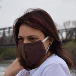 Трипластова едноцветна маска за лице с моден дизайн Broyny