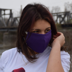 Трипластова едноцветна маска за лице с моден дизайн в лилав цвят