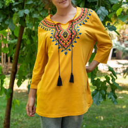 Дамска туника с фолклорни мотиви цвят горчица